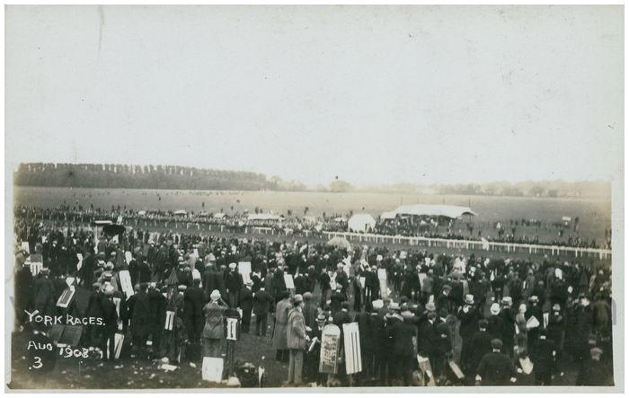 Postcard front: York Races Aug 1908
