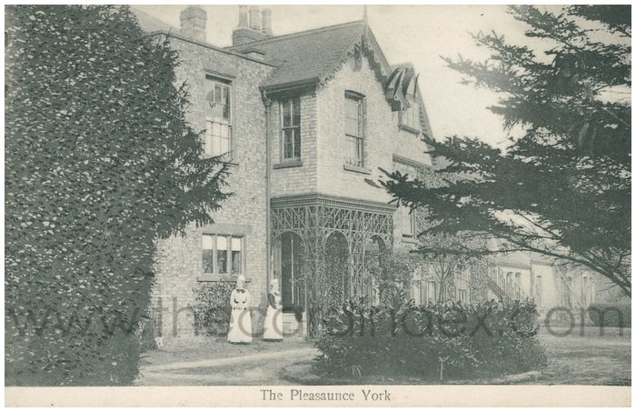 Postcard front: The Pleasaunce York