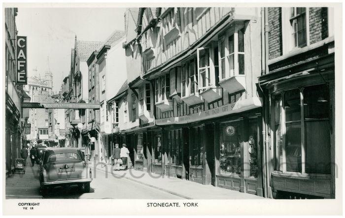 Postcard front: Stonegate, York