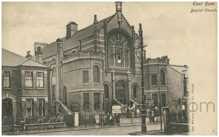 Postcard front: East Ham. Baptist Church