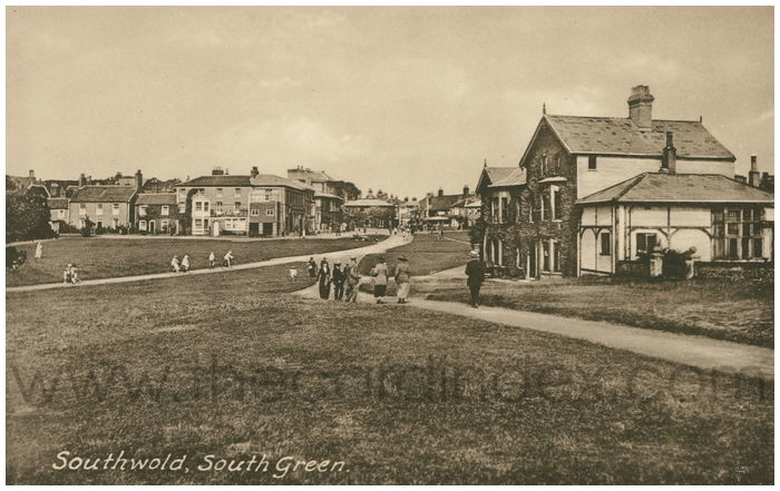 Postcard front: Southwold, South Green.
