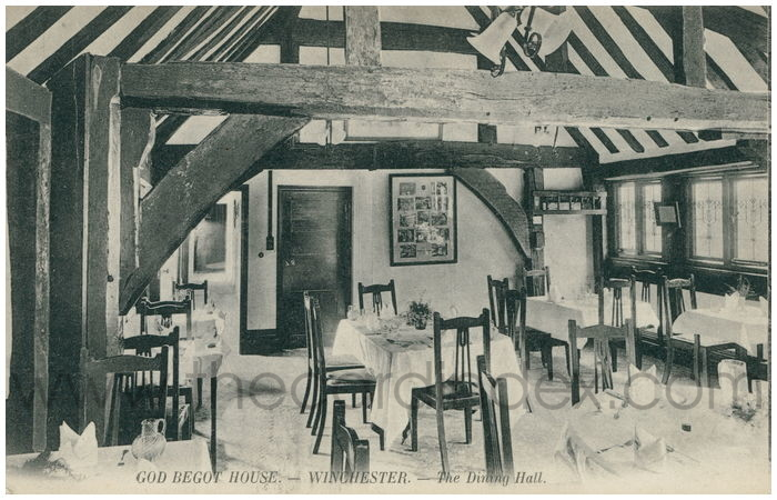 Postcard front: God Begot House. - Winchester. - The Dining Hall.