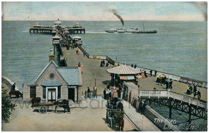 Postcard front: The Pier, Llandudno