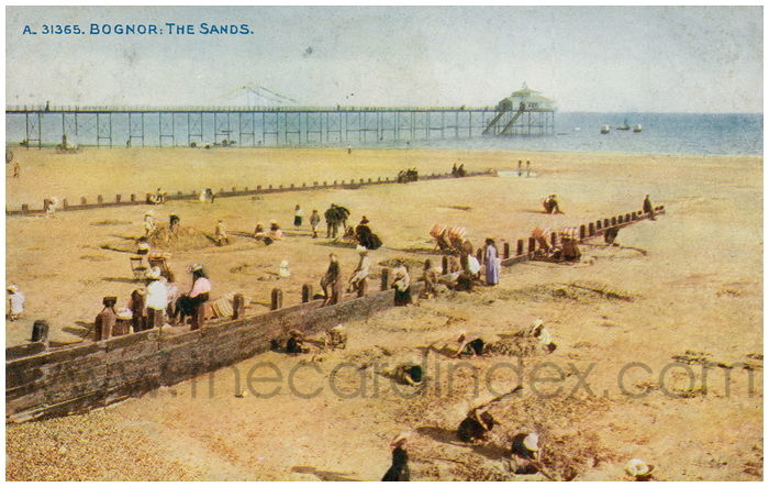 Postcard front: Bognor: The Sands