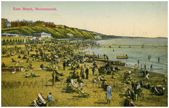 Postcard front: East Beach. Bournemouth.