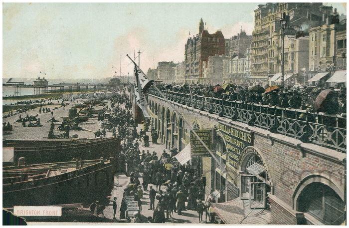 Postcard front: Brighton Front