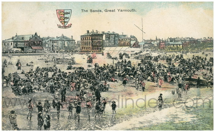 Postcard front: The Sands, Great Yarmouth.