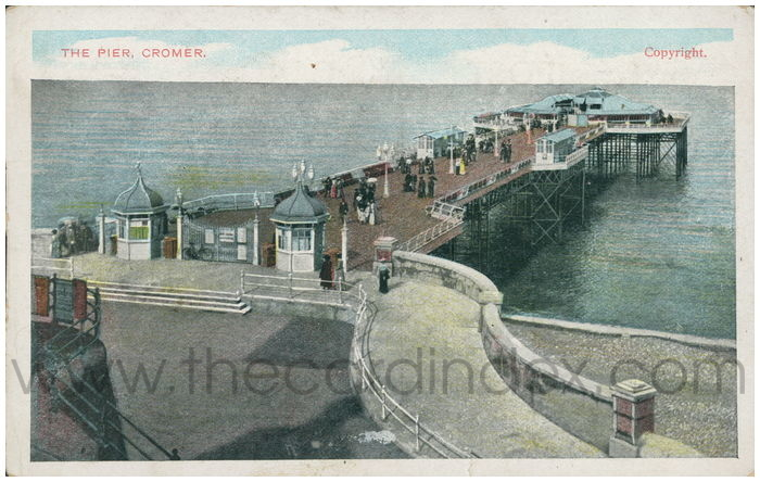 Postcard front: The Pier, Cromer.