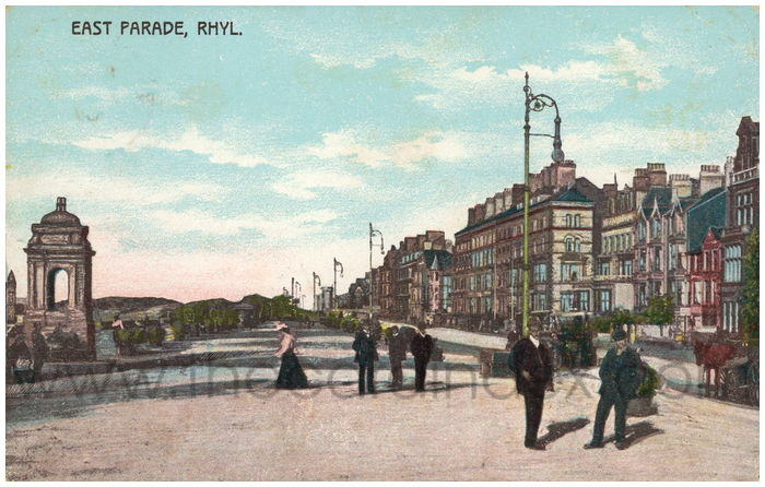 Postcard front: East Parade, Rhyl