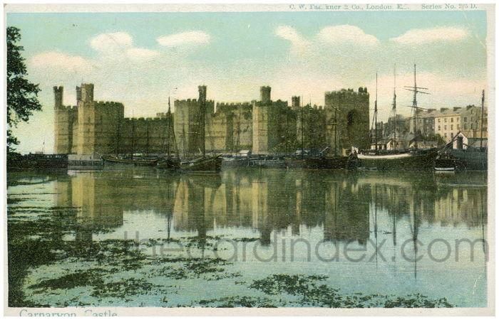 Postcard front: Carnarvon Castle