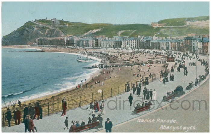 Postcard front: Marine Parade, Aberystwyth.