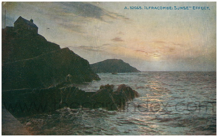 Postcard front: Ilfracombe: Sunset Effect