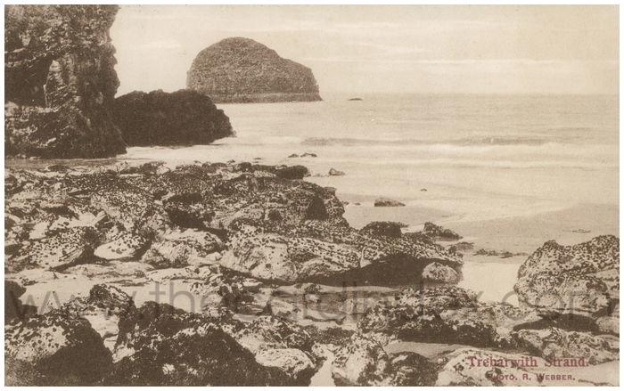 Postcard front: Trebarwith Strand.