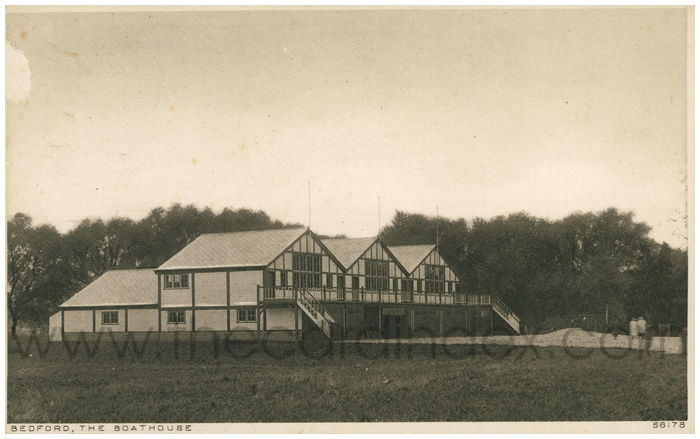 Postcard front: Bedford, The Boathouse
