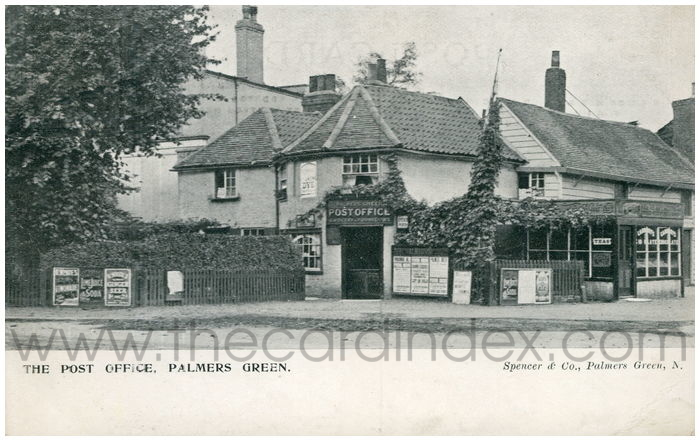 Postcard front: The Post Office, Palmers Green.