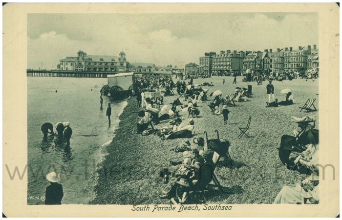 Postcard front: South Parade Beach, Southsea