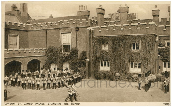 Postcard front: London. St. James Palace, Changing the Guard.