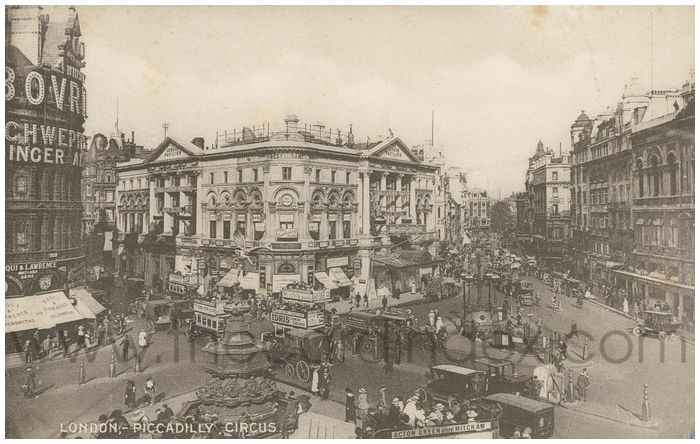 Postcard front: London, Piccadilly Circus.