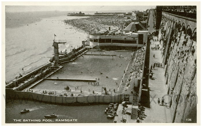 Postcard front: The Bathing Pool. Ramsgate.