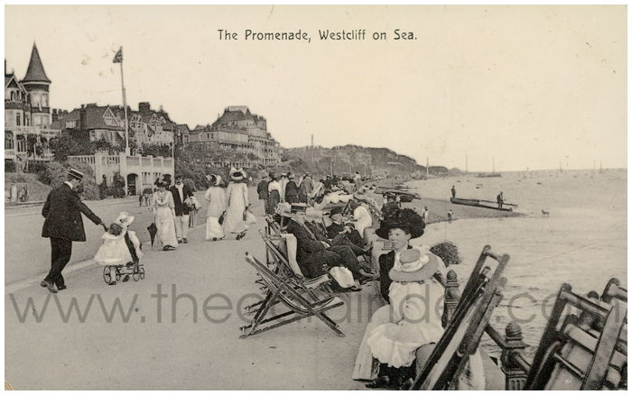 Postcard front: The Promenade, Westcliff on Sea.