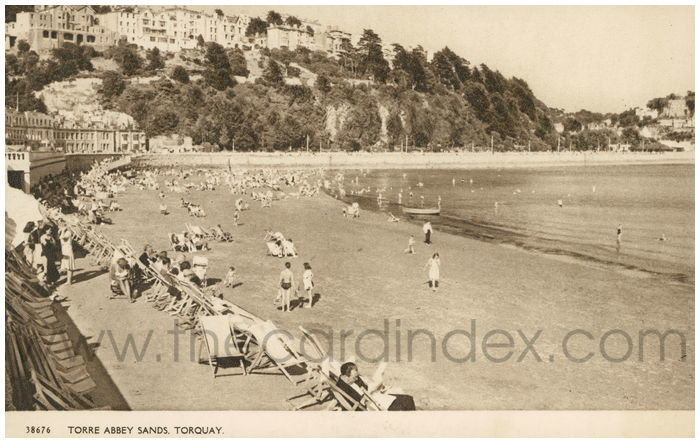 Postcard front: Torre Abbey Sands, Torquay.
