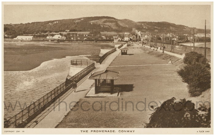 Postcard front: The Promenade. Conway