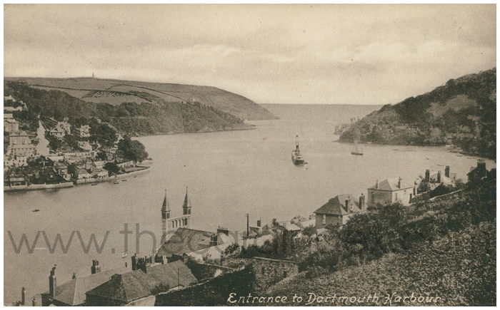 Postcard front: Entrance to Dartmouth Harbour