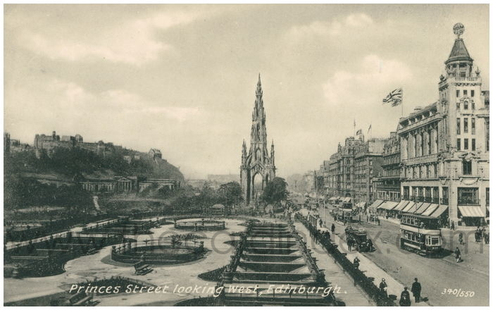 Postcard front: Princes Street looking West, Edinburgh.