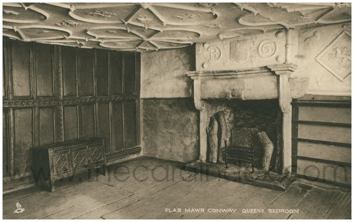 Postcard front: Plas Mawr Conway Queen's Bedroom.