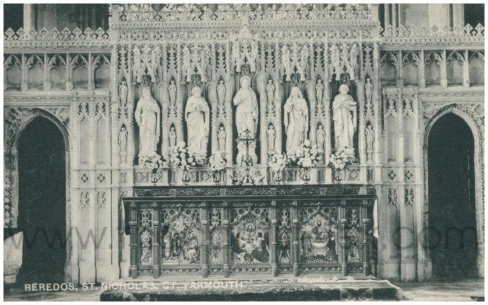 Postcard front: Reredos, St. Nicholas, Gt. Yarmouth.
