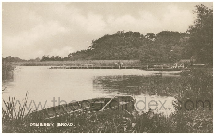 Postcard front: Ormesby Broad
