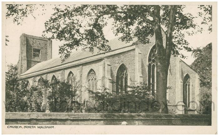 Postcard front: Church, North Walsham.