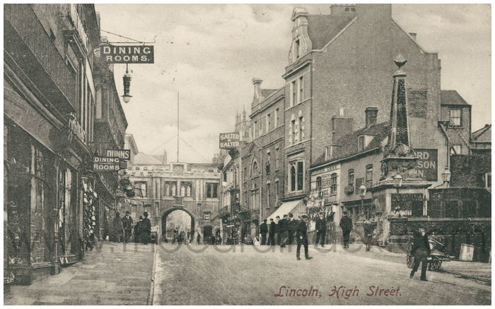 Postcard front: Lincoln, High Street