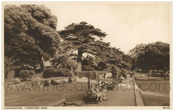 Postcard front: Northampton. Thorntons Park