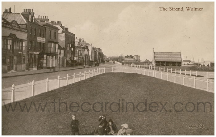 Postcard front: The Strand, Walmer