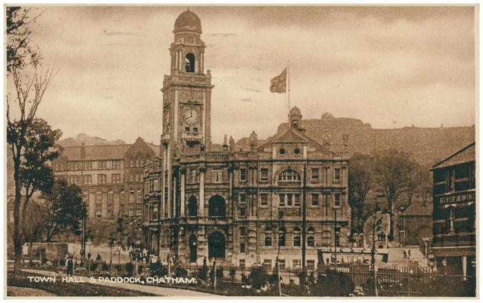 Postcard front: Town Hall & Paddock, Chatham.