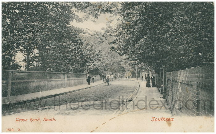 Postcard front: Grove Road, South. Southsea