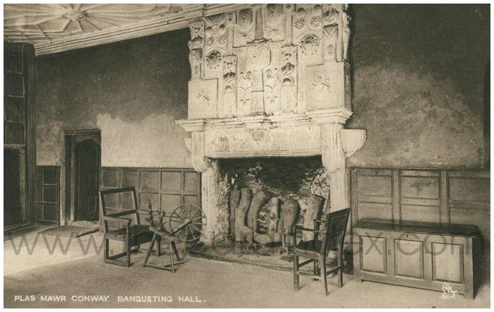 Postcard front:  Plas Mawr, Conway. Banqueting Hall