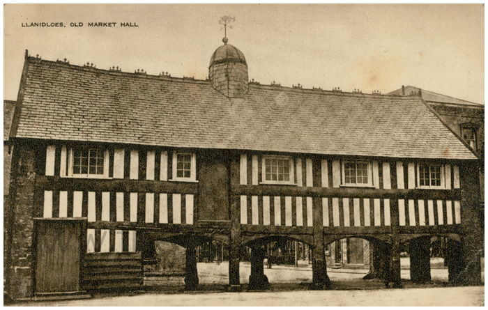 Postcard front: Llanidloes. Old Market Hall