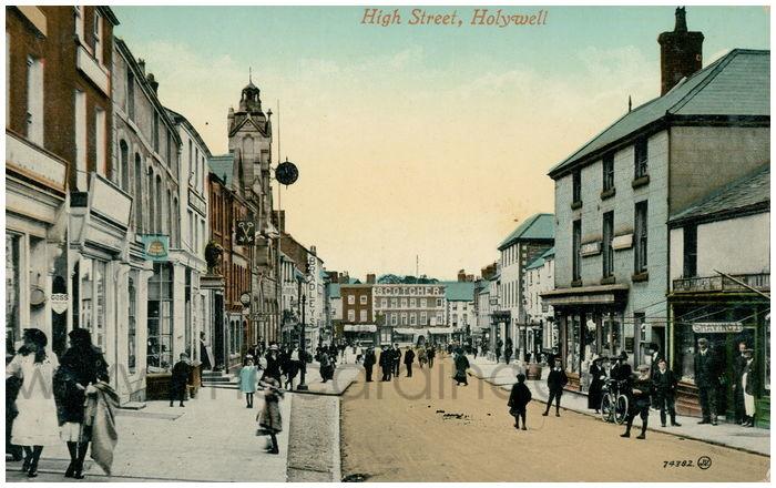Postcard front: High Street, Holywell.