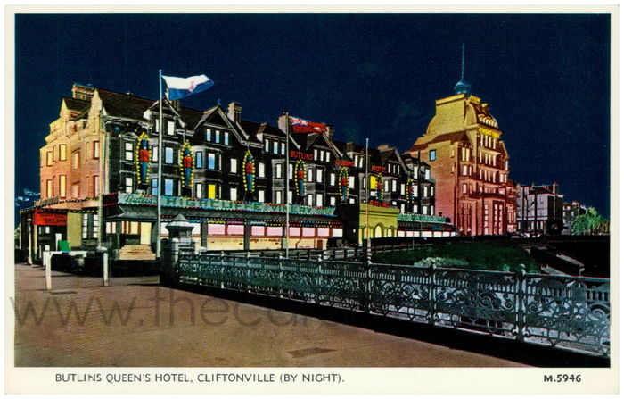 Postcard front: Butlins Queen's Hotel, Cliftonville (By Night).
