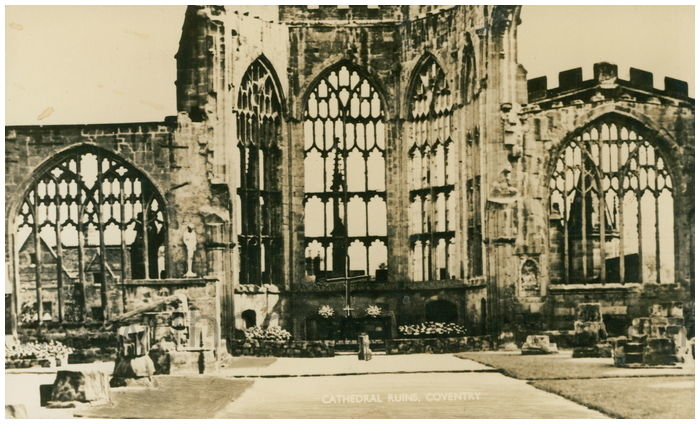 Postcard front: Cathedral Ruins, Coventry