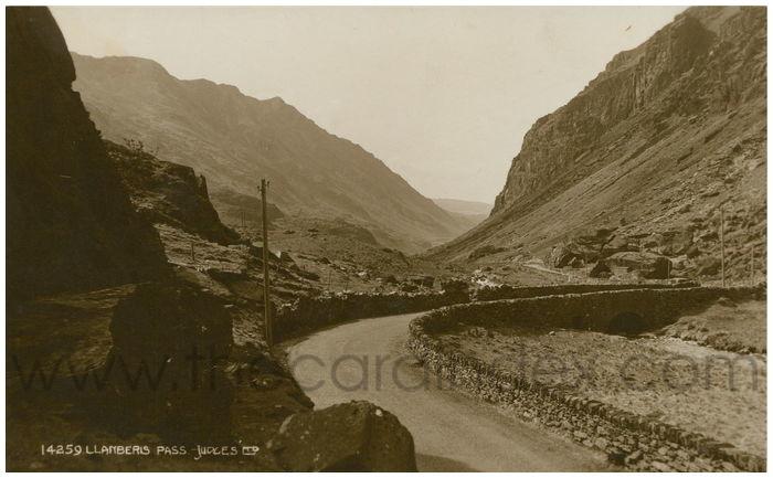 Postcard front: Llanberis Pass