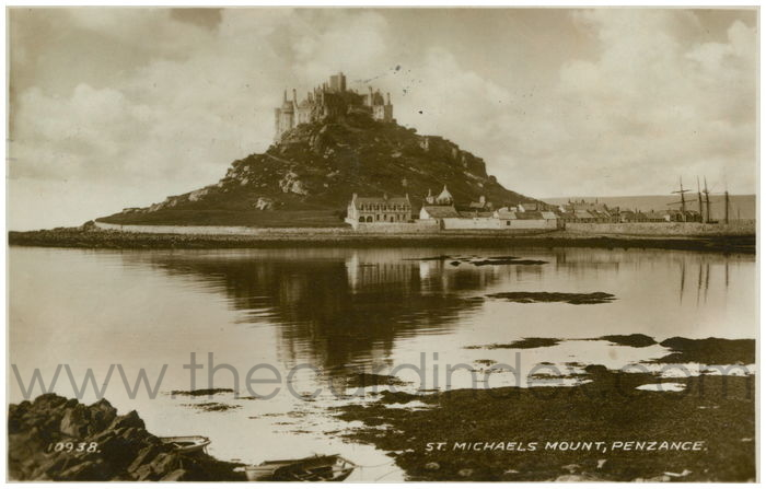 Postcard front: St. Michaels Mount, Penzance.
