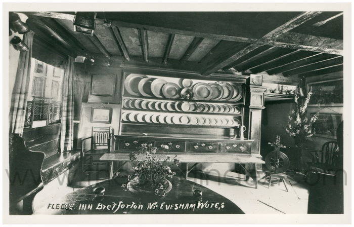 Postcard front: Fleece Inn Bretforton Nr. Evesham, Worcs.
