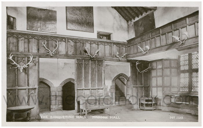 Postcard front: The Banqueting Hall, Haddon Hall.