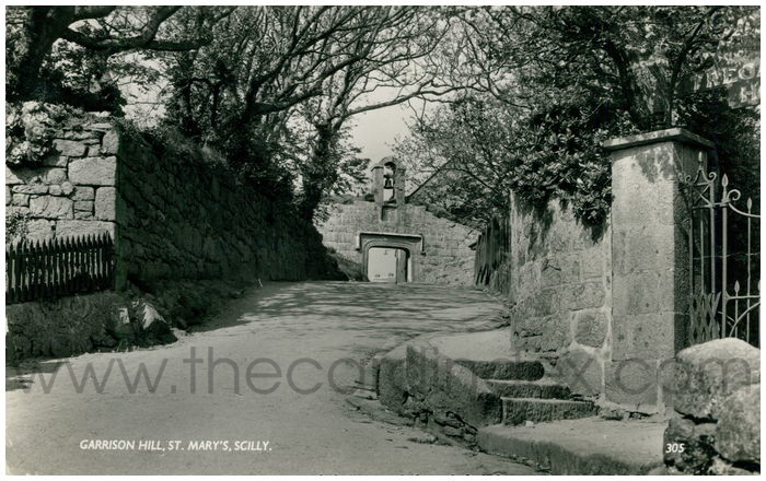 Postcard front: Garrison Hill, St. Mary's. Scilly.