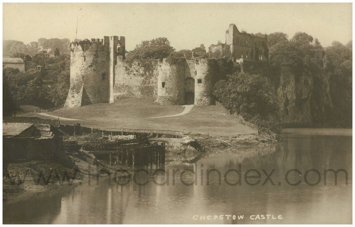Postcard front: Chepstow Castle