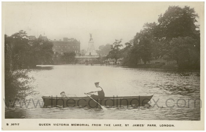 Postcard front: Queen Victoria Memorial From The Lake, St. James' Park, London.