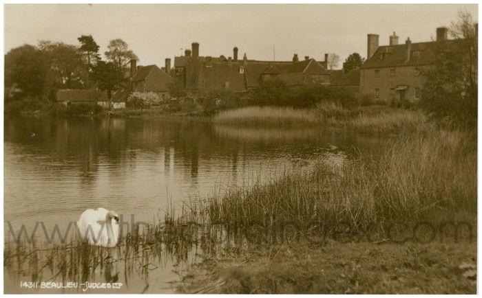 Postcard front: Beaulieu